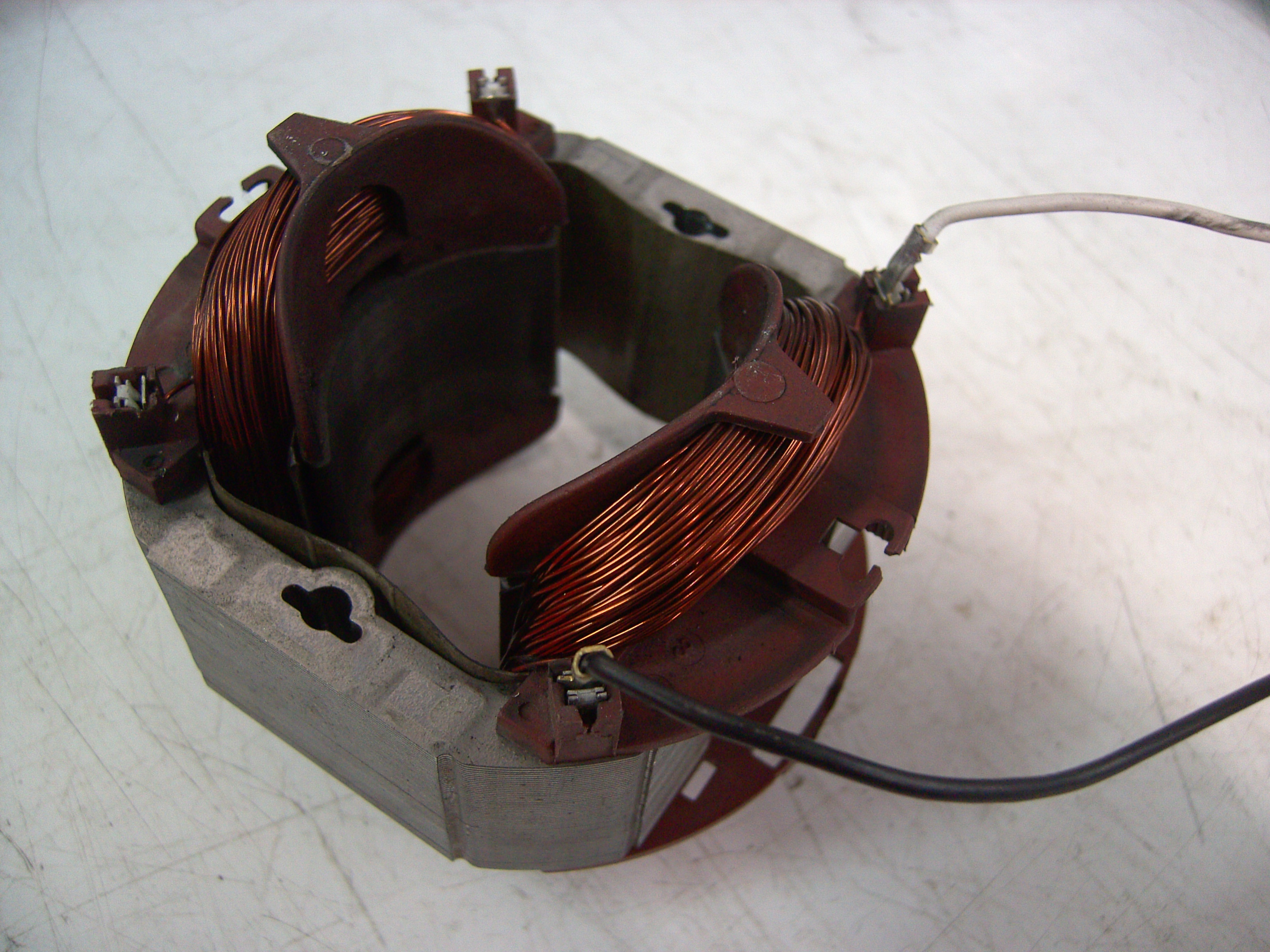 Electromagnetic Coils Physics Metropolia Confluence Of Copper Wire Are Commonly Used In Electrical Inductors Coiling A Stator An Ac Induction Motor